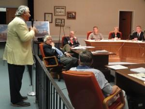 Kenneth Pizzo of Fieldstone Associates addresses the Haddon Twp. Planning Board. Credit: Matt Skoufalos