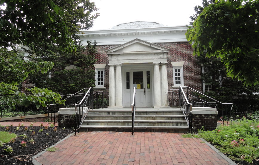 The historic Haddonfield Public Library. Credit: Matt Skoufalos.