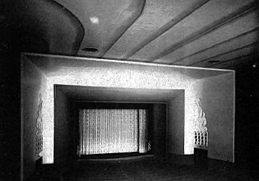 A glimpse of the interior of the theater in its earlier days. Credit: Cinematreasures.org user Tinseltoes.