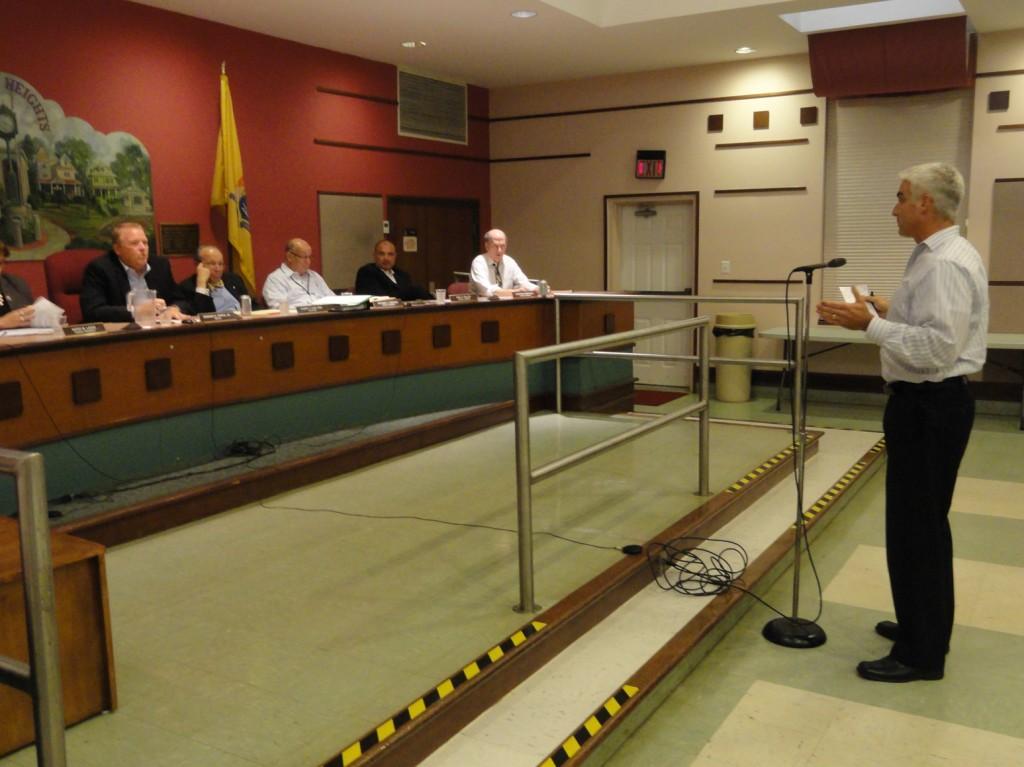 Former Haddon Heights Mayor Scott Alexander talks with the borough council on liquor licenses. Credit: Matt Skoufalos.