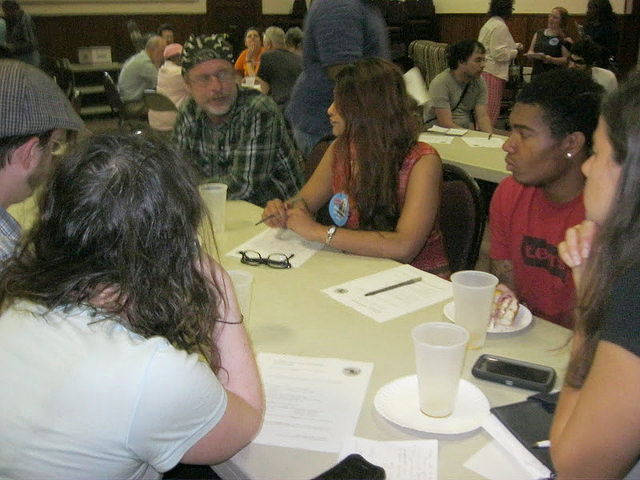 Organizers with Philadelphia Jobs with Justice discuss strategy at a meet-up. Credit: Jobs with Justice.