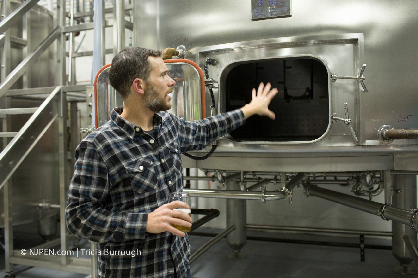 Bronstein explains the brewing process. Credit: Tricia Burrough.
