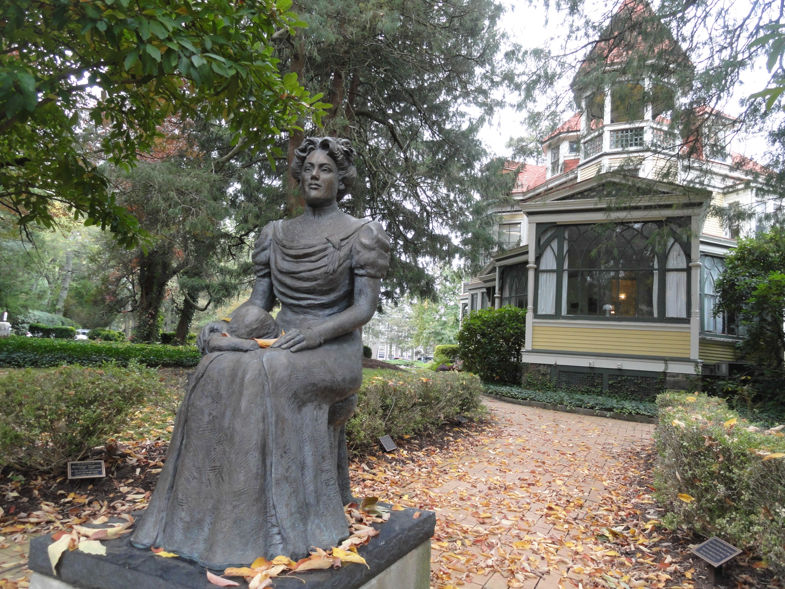 A statue of Bancroft bounder and namesake, Margaret Bancroft. Credit: Matt Skoufalos.