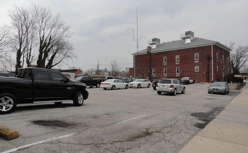 The Haddon Twp. municipal lot could become a public lot. Credit: Matt Skoufalos.