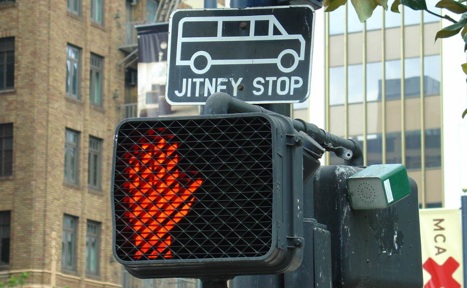 Jitney Stop 04385. Credit: mliu92: https://goo.gl/CHOibo.
