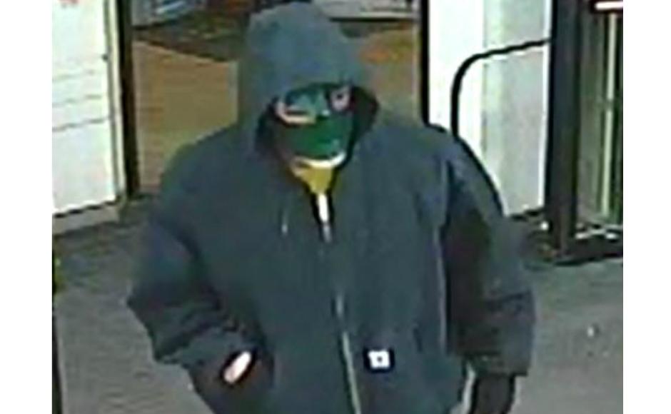 Cvs Mt Laurel >> Police Seek Masked Man In Knifepoint Robbery At Cherry Hill Cvs