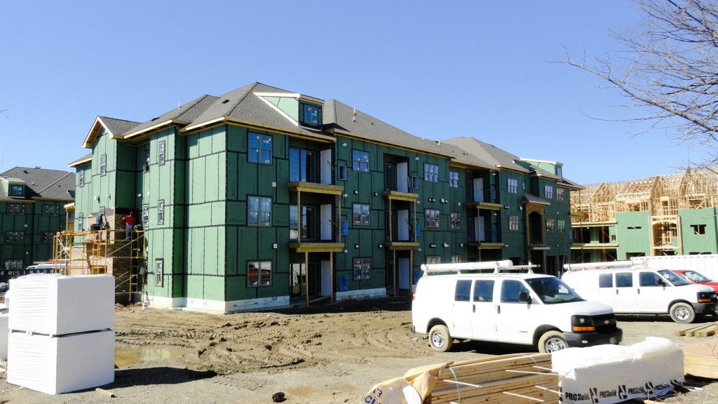 Construction at the Albertson Village apartments. Credit: Matt Skoufalos.