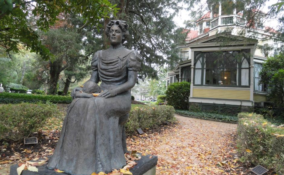 Statue of Margaret Bancroft. Credit: Matt Skoufalos.