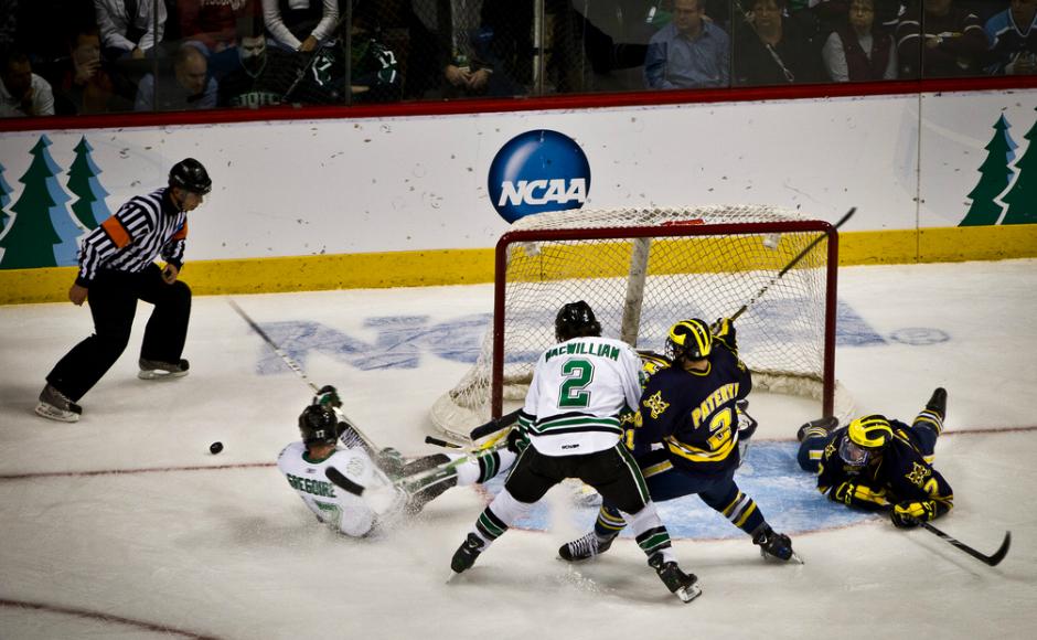 NCAA Frozen Four UND v. Michigan. Credit: Tony Webster: https://goo.gl/UVUmg4.