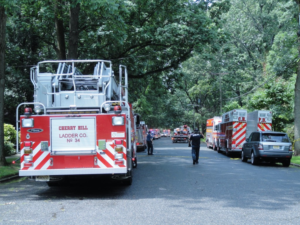 Multiple agency rescue effort. Credit: Matt Skoufalos.