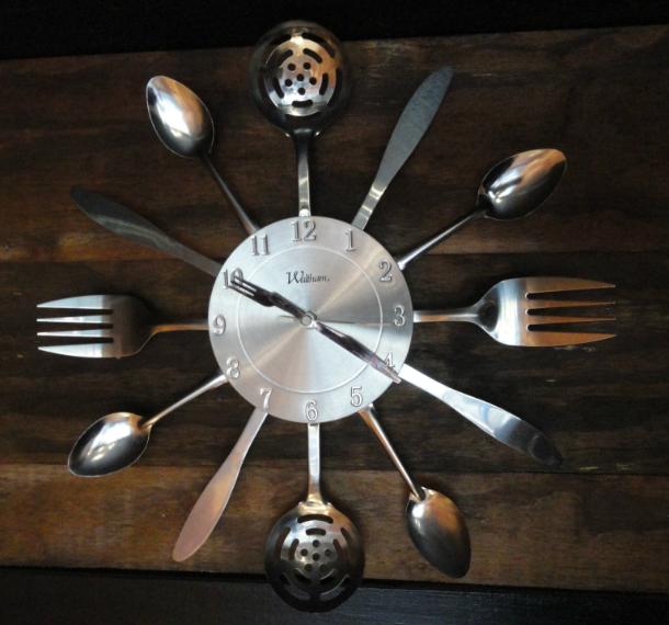 Silver Spoon clock. Credit: Matt Skoufalos.