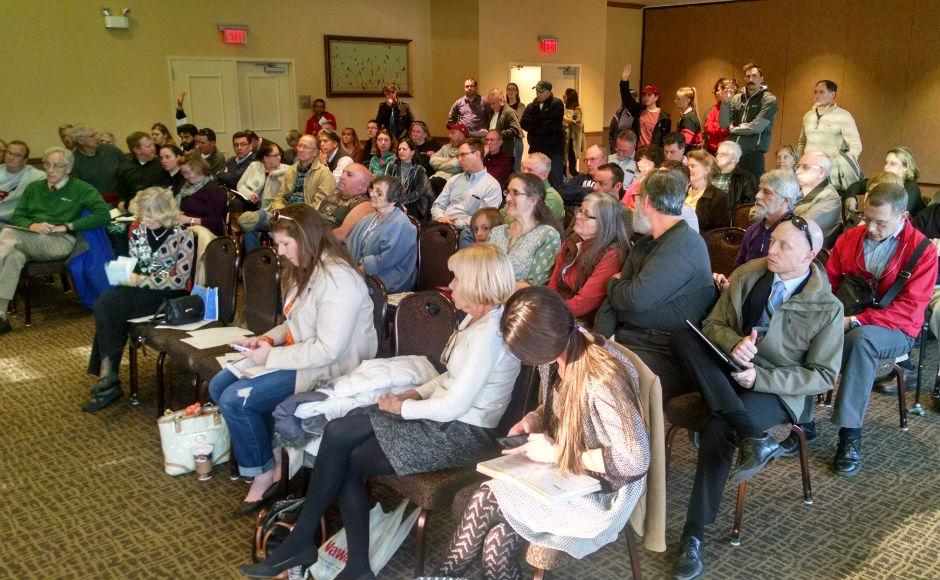 Camden County residents packed the boathouse to talk about the dredging project. Credit: Matt Skoufalos.