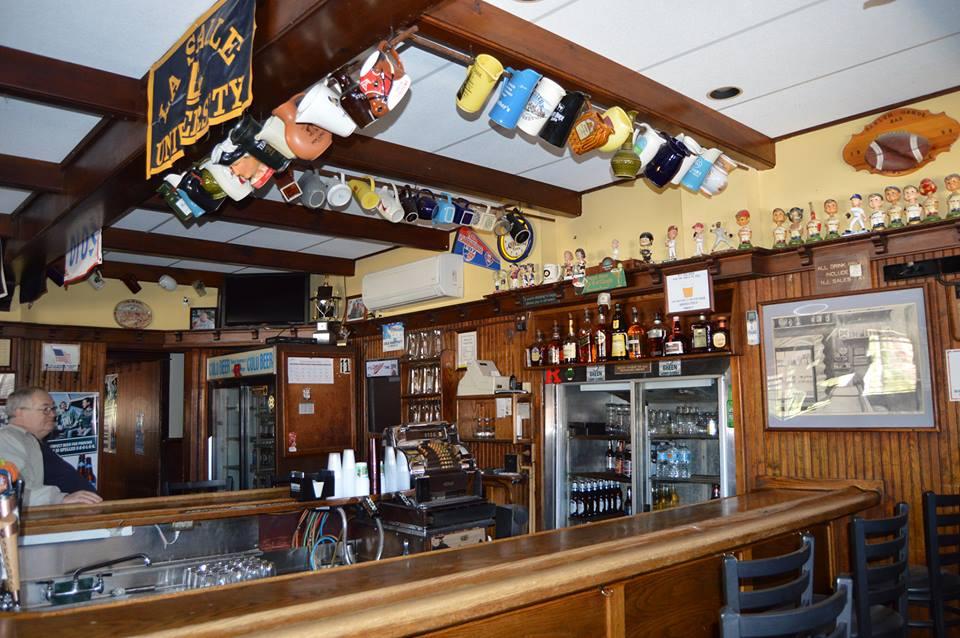 Oaklyn Manor Bar interior. Credit: Oaklyn Manor Bar.
