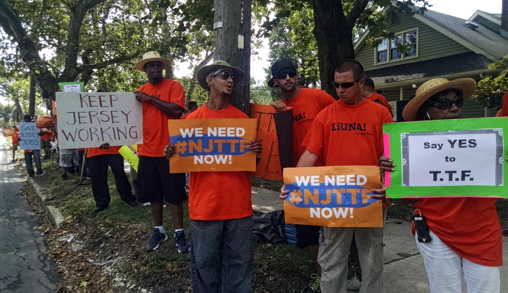 Local 172 protesters picket the offices of NJ Sen. Jim Beach on Route 70 in Cherry Hill. Credit: Matt Skoufalos.