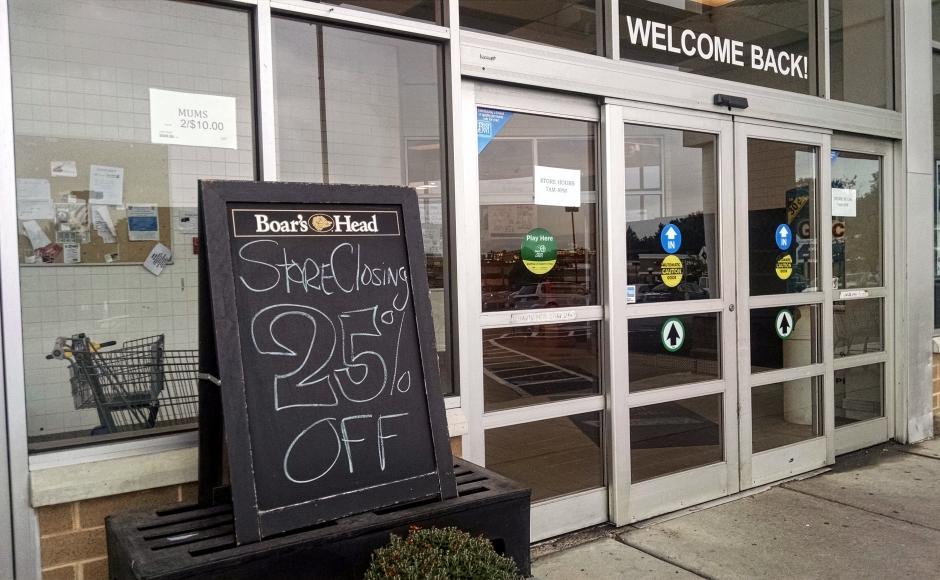 Store closing sign at Thriftway. Credit: Matt Skoufalos.