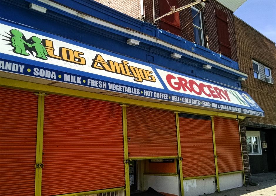 Los Amigos II Grocery in Camden City. Credit: Matt Skoufalos.